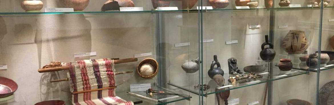 Collections from the Americas exhibited in the Stanford University Archaeology Collections classroom (2014).